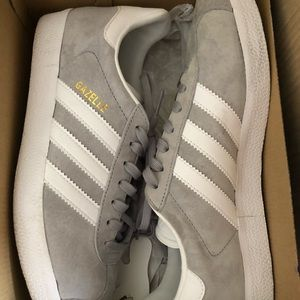 Addidas Giselle Sneakers
